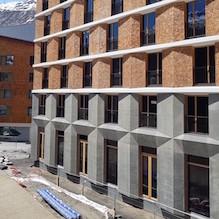 2018 Andermatt, Hotel 4B Radisson Blu mit Konzerthalle